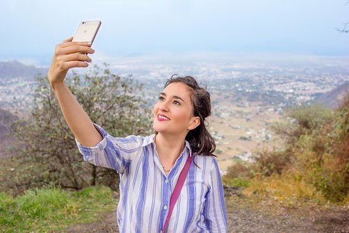 Authenticity is tested when we show ourselves on social media
